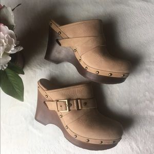 UGG Tan Leather Mules Clogs Slip-in Sz 7